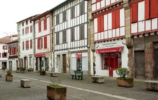 investir dans un bien ancien au Pays basque